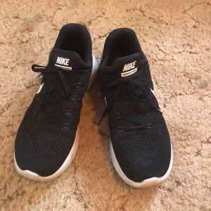 Lightly worn Nike Flyknit 2
